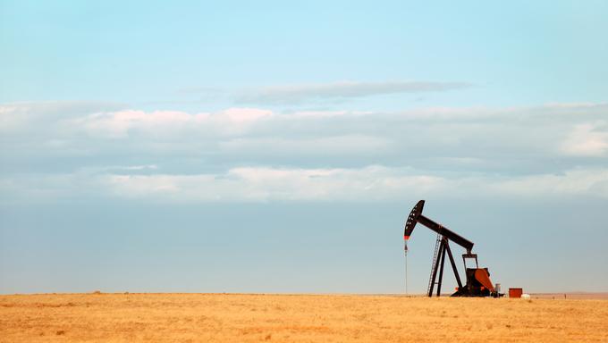 A working oil pump on the Nebraska Great Plains.
