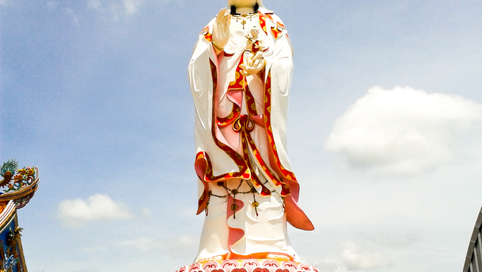 guanyin biggest statue, chachoengsao in thailand