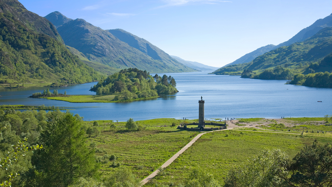 Memorial to the Jacobites, at Glenfinnan, Highlands, Scotland, lake, Loch Shiel, Glen Finnan, statue, tall, column, spectacular, veiw, beautiful, scenerym, little, island, isle, mountains, range, water, calm, reflections, boats