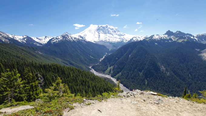 Amazing view of volcano Rainer on one of the most scenic hiking trails in Seattle, Washington.