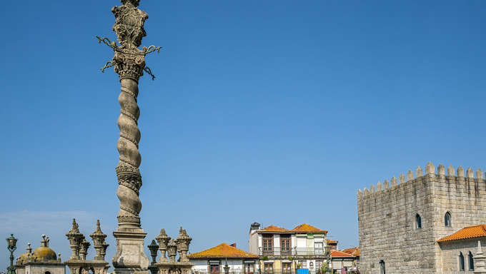 Portugal, Porto , carved shameful stone pillory for punishment on the square near the Cathedral Se.
