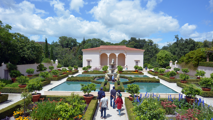 Italian Renaissance Garden in Hamilton Gardens. Its one of the most popular visitor attraction in New Zealand attracting more than 1 million people and holding over 2,000 events each year.