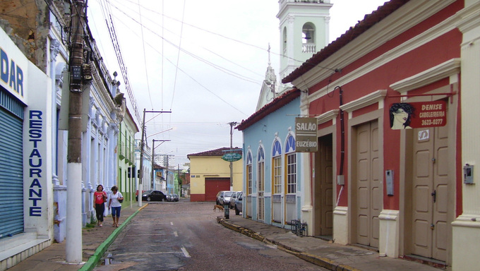A small local street in the outskirts of Cuiaba.