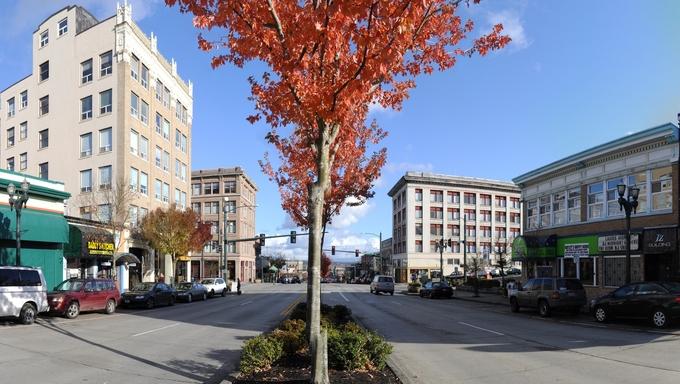 Beautiful panorama of Hewitt Ave.