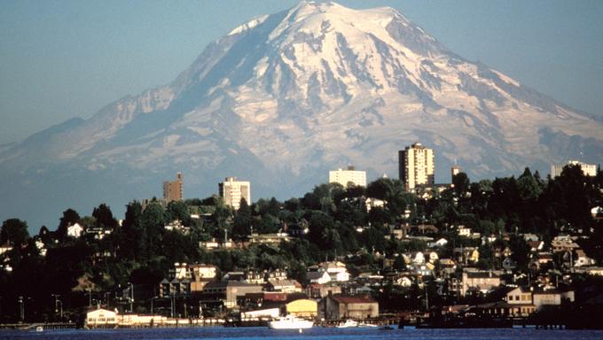 Federal Way, WA and Mount Rainier.