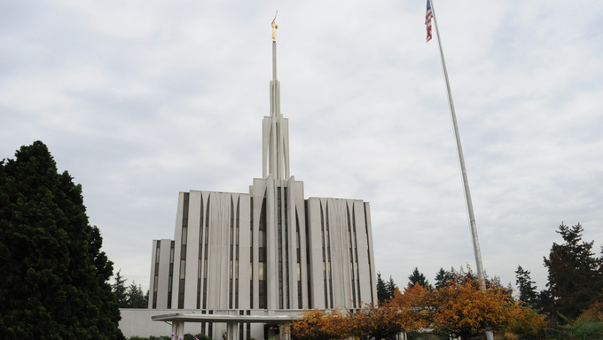 Gorgeous view of the LDS Temple in Seattle, Washington.