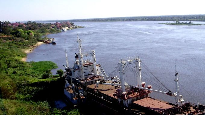 Another shot of the Rio Paraguay.