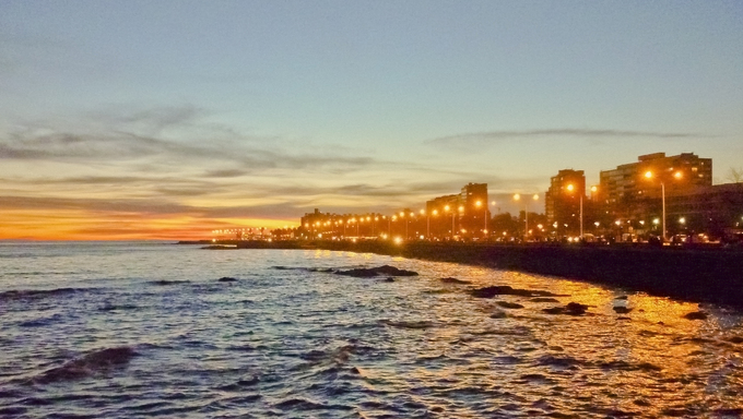 The boardwalk in Montevideo at night.