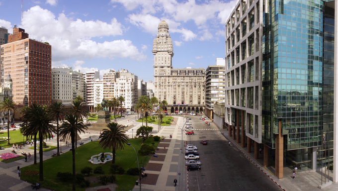 View of Plaza Independencia, the most important plaza in Montevideo.