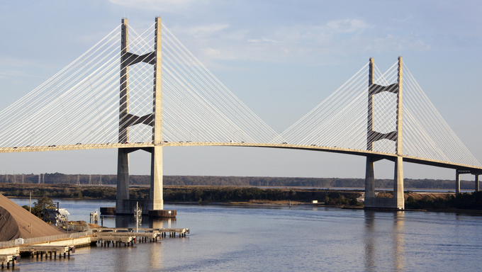 The view of a bridge over St. Johns River in the city of Jacksonville (Florida).