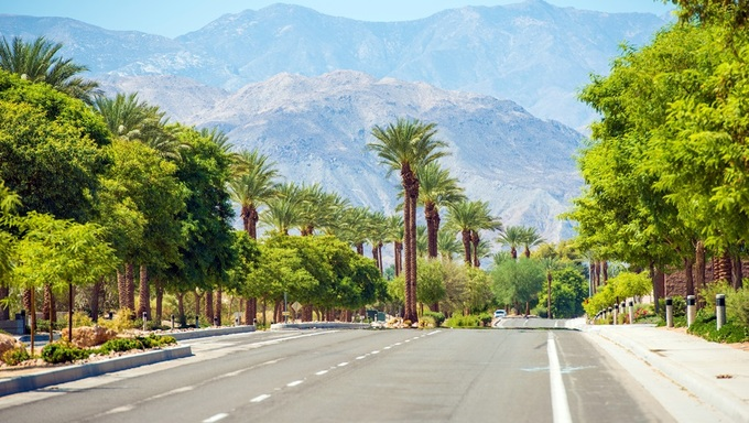 Indian Wells Street. Famous Indian Wells City in Southern California, USA.