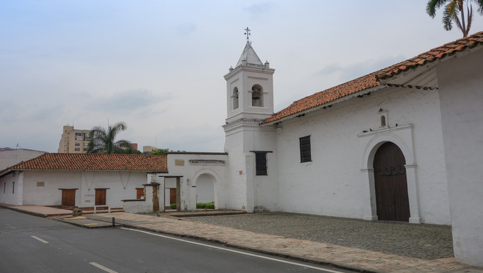 The church complex of La Merced in Cali, Colombia comprises the Notre Dame church, a convent, the museum of religious art and the archeological museum