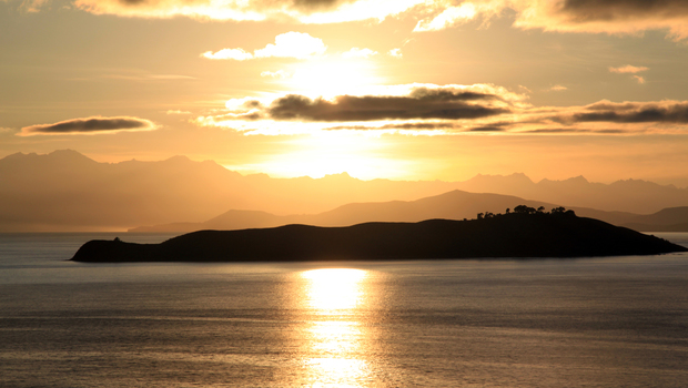 Sunrise on island De la Loona on the lake Titicaca in Bolivia