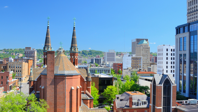 Cathdral of St. Paul amongst the skyline of downtown Birmingham, Alabama, USA.