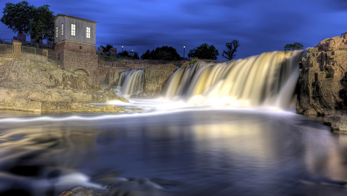 Falls at Sioux Falls, South Dakota.