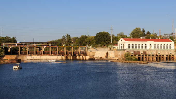 Hydroelectric power station in Wisconsin Dells, Wisconsin