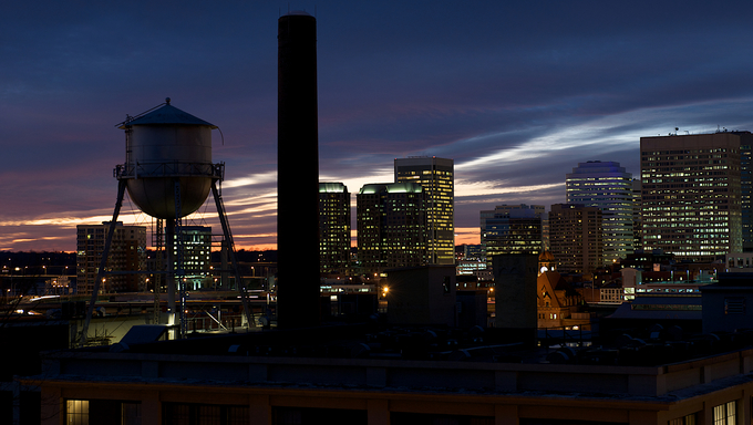 Cityscape of Richmond, Virginia at sunset.