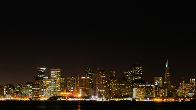 San Francisco city skyline at night.