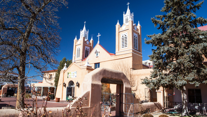 San Felipe de Neri Church in Old Town Alburqueque, New Mexico, USA.