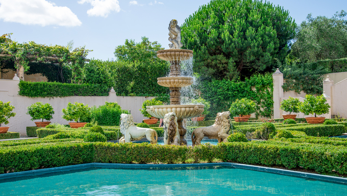 A view of Italian garden in Hamilton Botanical gardens in New Zealand.