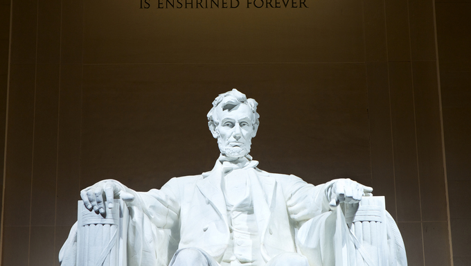 Statue of Abraham Lincoln at the Lincoln Memorial, Washington DC, USA