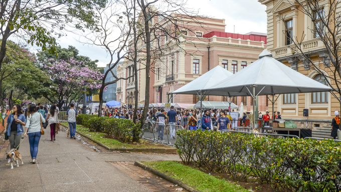 Traditional food and drinks in Liberty Square, Belo Horizonte.