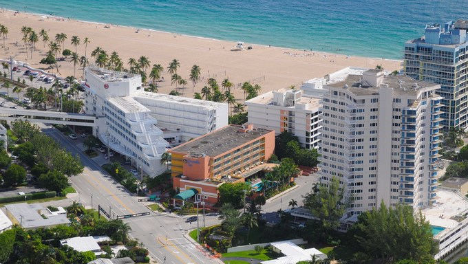 Hotels in Ft. Lauderdale, Florida oceanside.