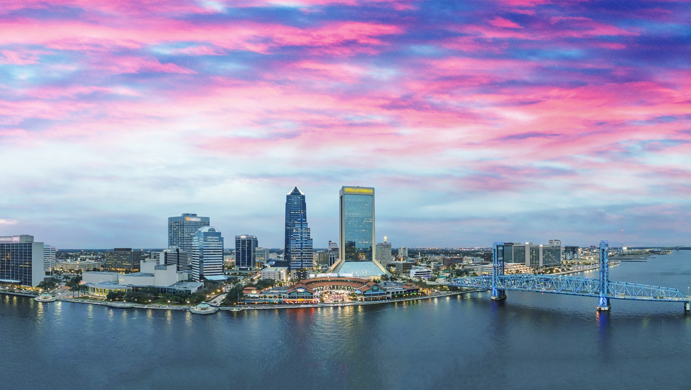 Jacksonville skyline at sunset, beautiful panoramic view of Florida.