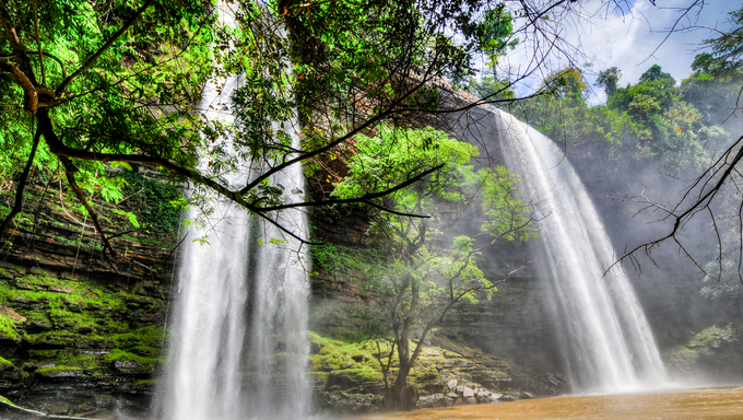 Boti Falls is a 30m high waterfall within the Boti Forest Reserve about 30 minutes east of Koforidua. Situated in a village called Boti in the Manya Krobo district in the Eastern Region.